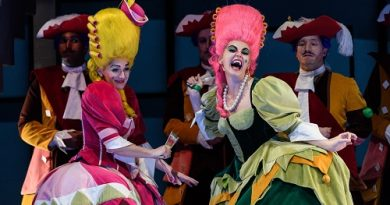 WNO-La-Cenerentola-Heather-Lowe-as-Tisbe-and-Aoife-Miskelly-as-Clorinda-with-the-WNO-Chorus