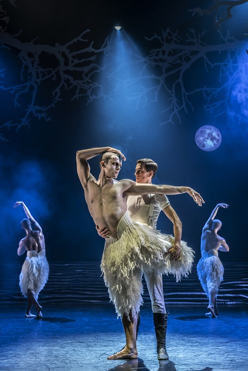 Matthew Bourne's SWAN LAKE. Will Bozier 'The Swan' and Dominic North 'The Prince'. Photo by Johan Persson (1)