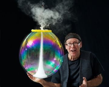 The Amazing Bubble Man Redgrave Theatre Bristol